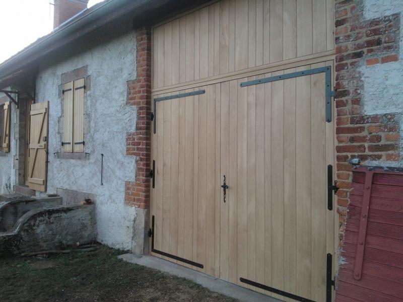 Porte d 39 entr e bois bourgoin jallieu lyon trept for Fabriquer une porte de grange